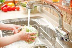 sink-rinse-vegetable